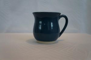 Mørkeblå kop
